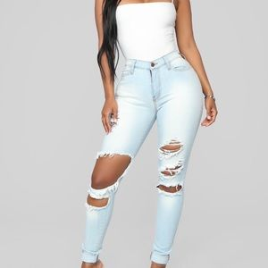 FASHION NOVA Beach Bum Jeans NWT